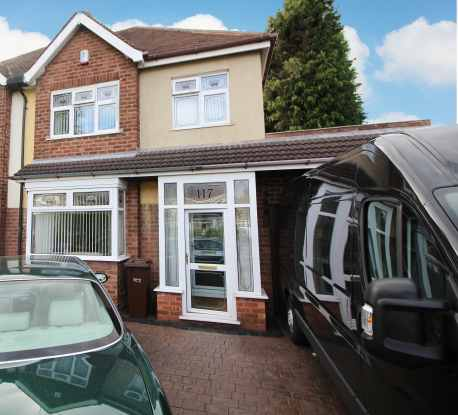 3 Bedrooms Semi Detached House for sale in Prestwood Road West, Wolverhampton, West Midlands, WV11 1HY