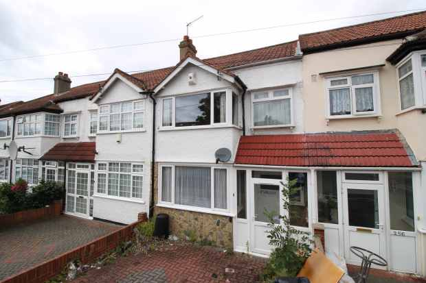 3 Bedrooms Terraced House for sale in Galpins Road, Surrey, Greater London, CR7 6EJ
