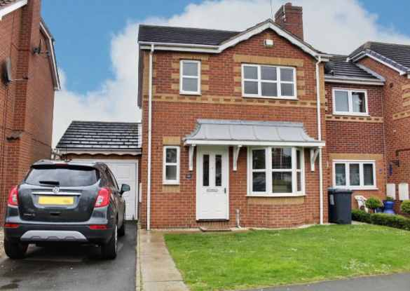3 Bedrooms Detached House for sale in Helm Drive, Hull, North Humberside, HU9 1UH