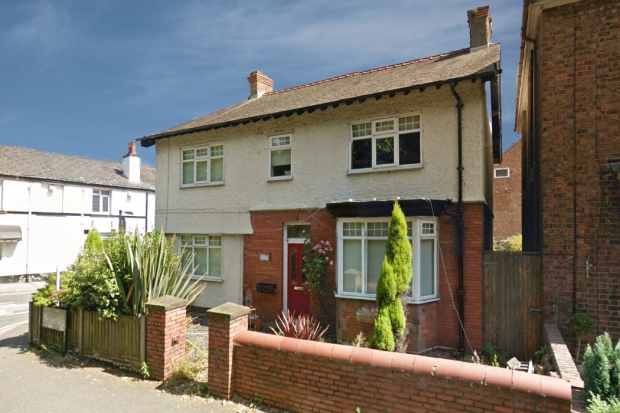 4 Bedrooms Detached House for sale in Mount Road, Wirral, Merseyside, CH63 8PJ