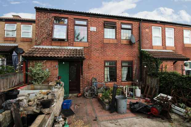 3 Bedrooms Terraced House for sale in Hill Crest Mews, Retford, Nottinghamshire, DN22 6RB