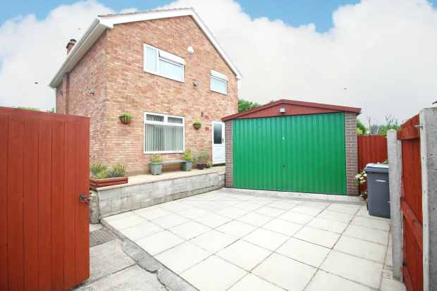 4 Bedrooms Detached House for sale in Hargrave Close, Prenton, Merseyside, CH43 2NJ