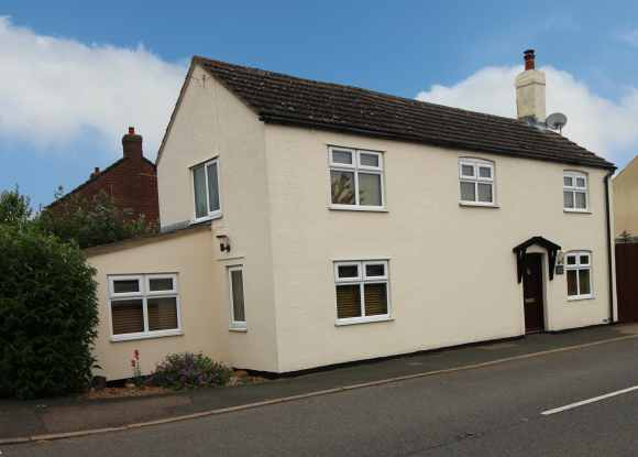 3 Bedrooms Cottage House for sale in Station Road, Huntingdon, Cambridgeshire, PE28 0PE