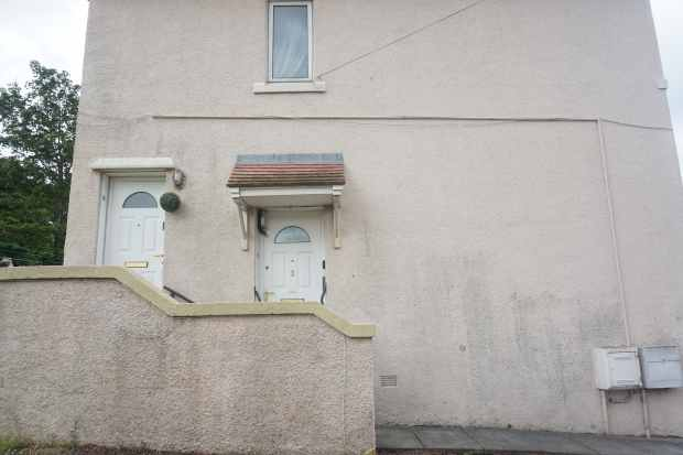 1 Bedroom Flat for sale in Cardell Drive, Paisley, Renfrewshire, PA2 9AE