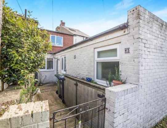 2 Bedrooms Terraced House for sale in Burnt Houses, Ryton, Tyne And Wear, NE40 4RN