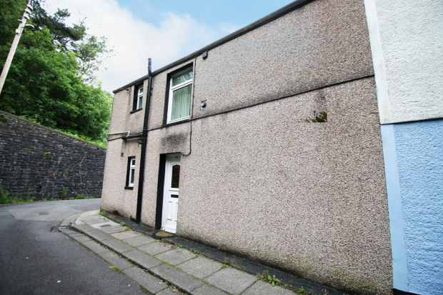 2 Bedrooms Property for sale in Amelia Terrace, Tonypandy, Mid Glamorgan, CF40 2HR