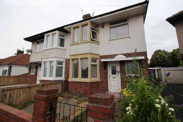 3 Bedrooms Semi Detached House for sale in Kendal Avenue, Blackpool, Lancashire, FY3 7LG