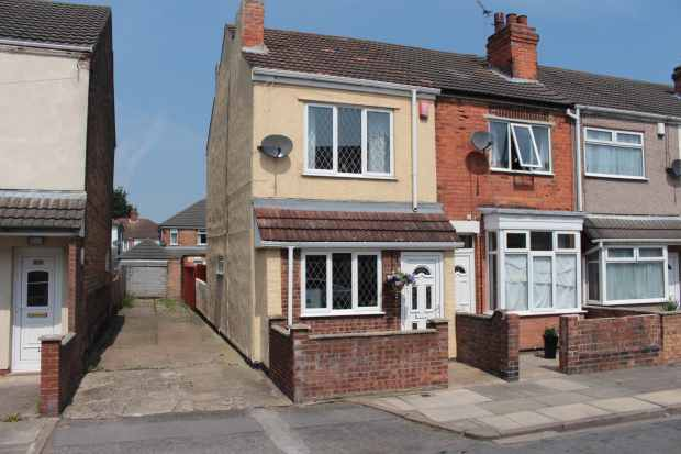 2 Bedrooms Property for sale in St. Heliers Road, Cleethorpes, South Humberside, DN35 7LG