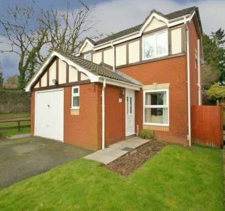 3 Bedrooms Detached House for sale in Magna Porta Gardens, Cwmbran, Gwent, NP44 3HF