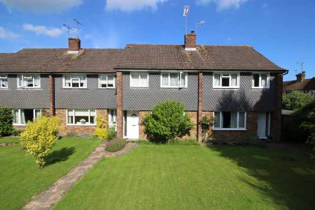 3 Bedrooms Terraced House for sale in Brookway, Lindfield, West Sussex, RH16 2BW