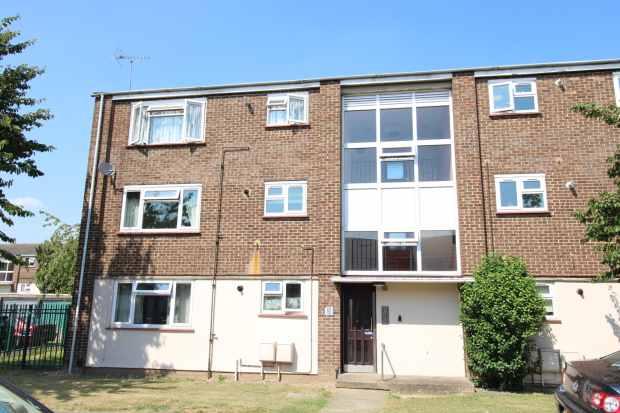 1 Bedroom Flat for sale in Spinney, Slough, Berkshire, SL1 2YG