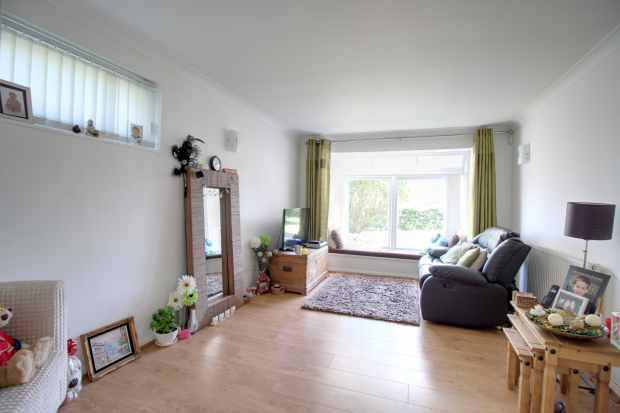 2 Bedrooms Apartment Flat for sale in Dunlin Court, Gateacre Park Drive, Liverpool, Merseyside, L25 4UE