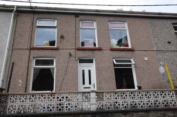 3 Bedrooms Terraced House for sale in Prospect Place, Abertillery, Gwent, NP13 2SD