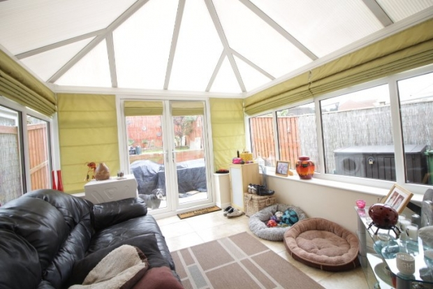 3 Bedrooms Semi Detached House for sale in Dunscar, Houghton Le Spring, Durham, DH4 5FF