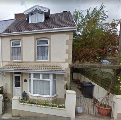 3 Bedrooms Semi Detached House for sale in Quarr Road, Swansea, West Glamorgan, SA8 4JD