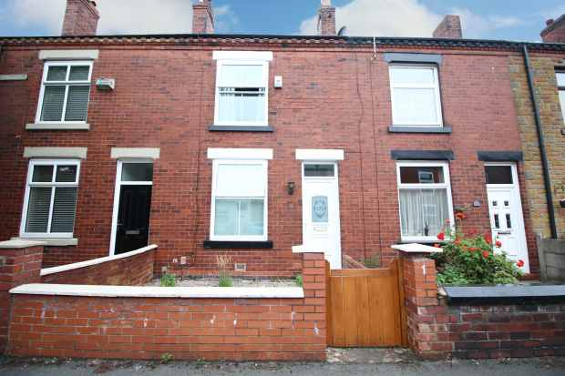 2 Bedrooms Terraced House for sale in Selwyn Street, Leigh, Lancashire, WN7 1RS