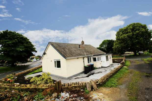 3 Bedrooms Detached House for sale in Manor Street, Bishop Auckland, Durham, DL14 9QB