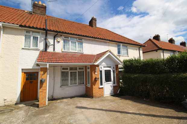 5 Bedrooms Property for sale in Minet Drive, Hayes, Middlesex, UB3 3JN