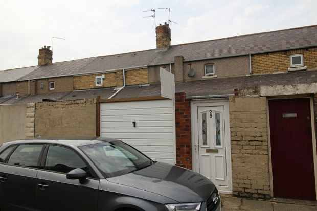 2 Bedrooms Terraced House for sale in Chester Square, Morpeth, Northumberland, NE61 5UF