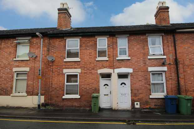 3 Bedrooms Terraced House for sale in Albert Terrace, Stafford, Staffordshire, ST16 3EX