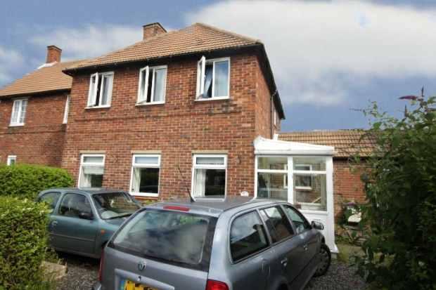3 Bedrooms Semi Detached House for sale in Bridge Road, Morpeth, Northumberland, NE61 5YJ