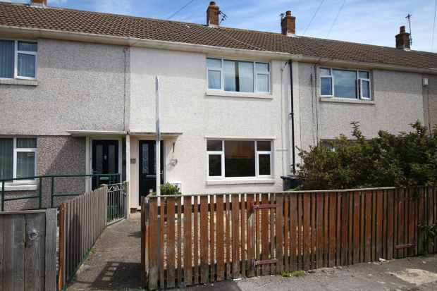 2 Bedrooms Terraced House for sale in Medlock Avenue, Fleetwood, Lancashire, FY7 8DE