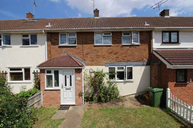 3 Bedrooms Terraced House for sale in Perry Green, Basildon, Essex, SS14 2JS