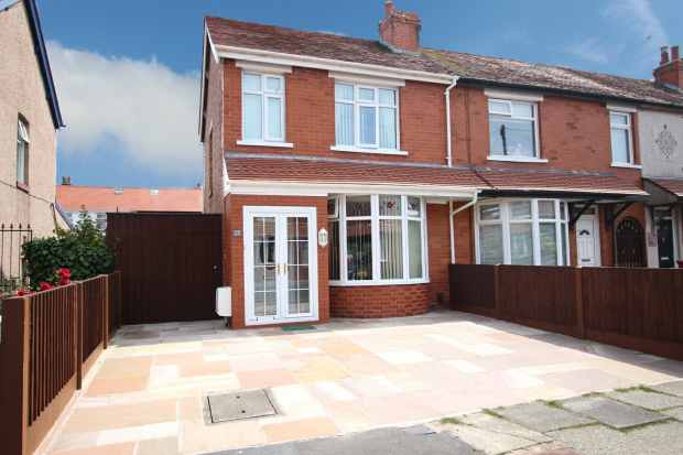 2 Bedrooms Semi Detached House for sale in Joyce Avenue, Blackpool, Lancashire, FY4 4HL