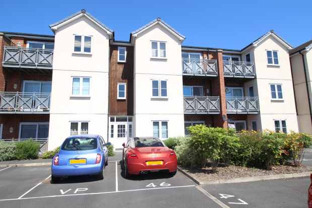 1 Bedroom Flat for sale in Maddren Way, Middlesbrough, Cleveland, TS5 5BB