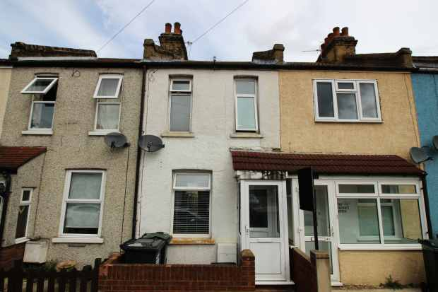 2 Bedrooms Terraced House for sale in Carlisle Road, Dartford, Kent, DA1 1XJ
