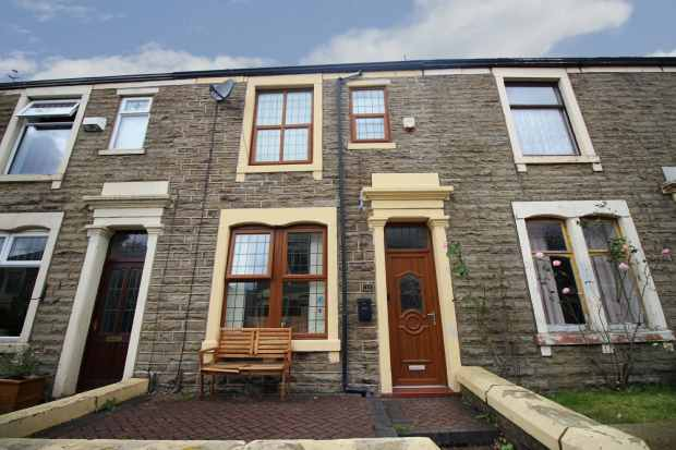 4 Bedrooms Terraced House for sale in Catlow Hall Street, Accrington, Lancashire, BB5 3EU