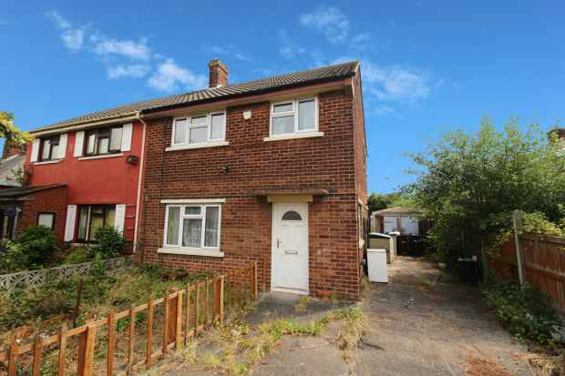 3 Bedrooms Semi Detached House for sale in Trelawney Avenue, Flint, Clwyd, CH6 5JD