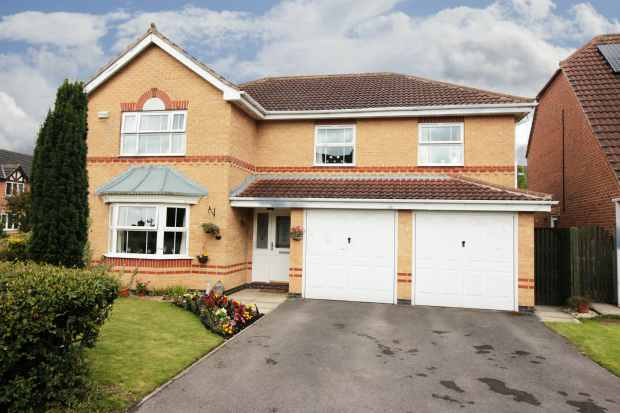 5 Bedrooms Detached House for sale in Broadmanor, York, North Yorkshire, YO42 2GA