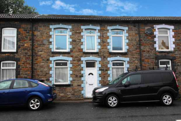 2 Bedrooms Terraced House for sale in Ynyshir Road, Porth, Mid Glamorgan, CF39 0ED