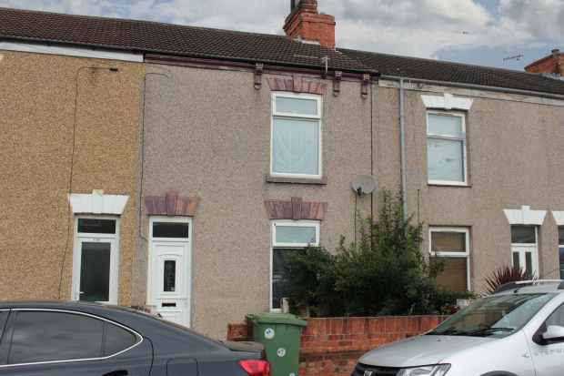 3 Bedrooms Terraced House for sale in Willingham Street, Grimsby, South Humberside, DN32 9PU