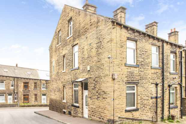 2 Bedrooms Property for sale in Newton Street, Sowerby Bridge, West Yorkshire, HX6 2LZ