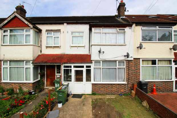 3 Bedrooms Terraced House for sale in Glenister Park Road, Streatham, London The Metropolis[8], SW16 5DY