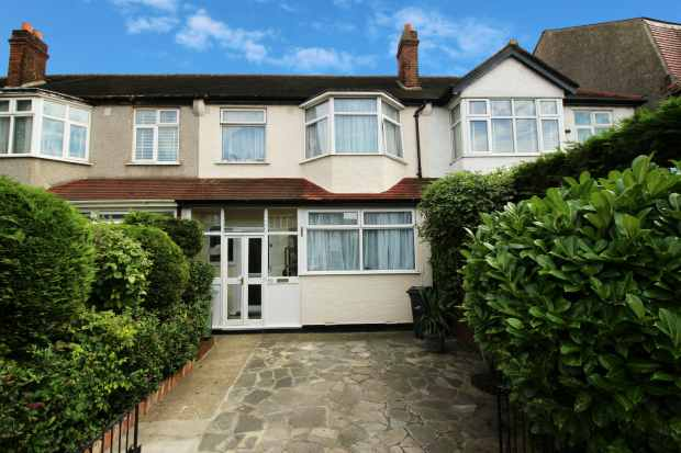 3 Bedrooms Terraced House for sale in Streatham Vale, Streatham, London The Metropolis[8], SW16 5SQ