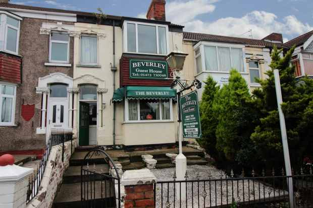 7 Bedrooms Terraced House for sale in Isaacs Hill, Cleethorpes, South Humberside, DN35 8JS
