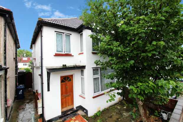 1 Bedroom Flat for sale in Beresford Avenue, Hanwell, London The Metropolis[8], W7 3AJ