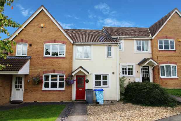 2 Bedrooms Terraced House for sale in Hampshire Crescent, Stoke-On-Trent, Staffordshire, ST3 4TR