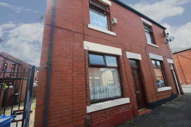 2 Bedrooms Semi Detached House for sale in Grouse Street, Rochdale, Lancashire, OL12 0RP