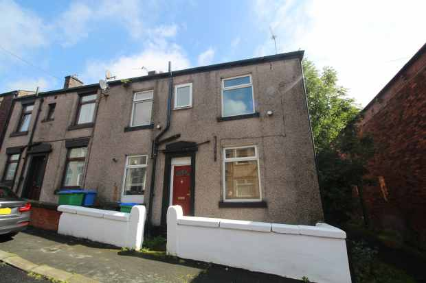 2 Bedrooms Property for sale in Croft Street, Rochdale, Lancashire, OL12 9AD