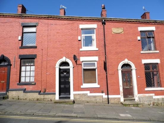 Roundthorn Road, Oldham, Lancashire, OL4...