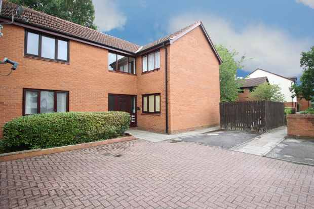 1 Bedroom Apartment Flat for sale in Golf View, Preston, Lancashire, PR2 7EN