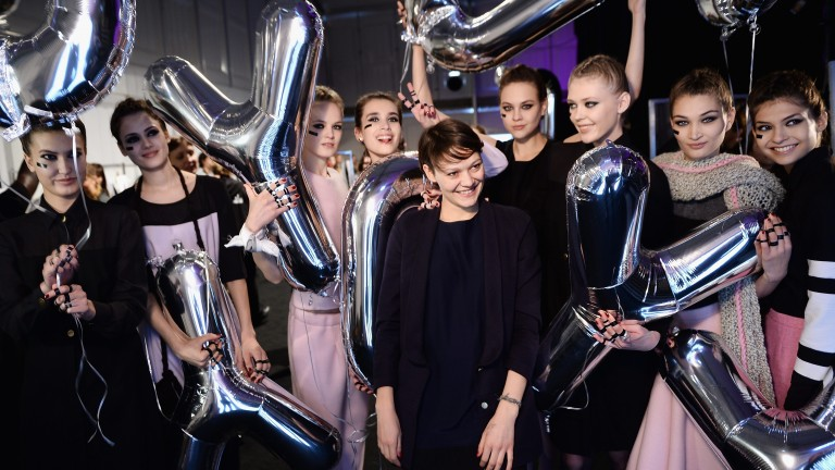 Berlin Fashion Week: Hier wird die Designerin mit ihren Models beklatscht (Foto: Getty Images Entertainment/Getty)