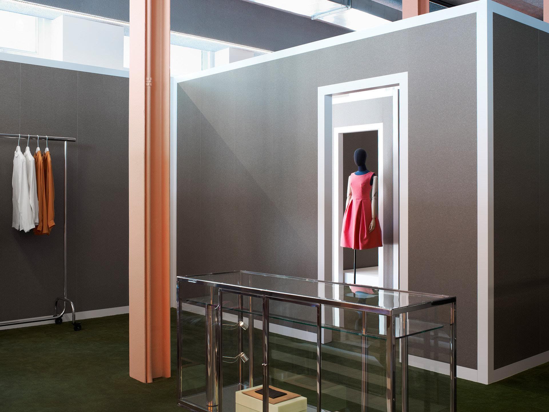 Acne store konzept: scharfe schnitte und skandinavischer minimalismus