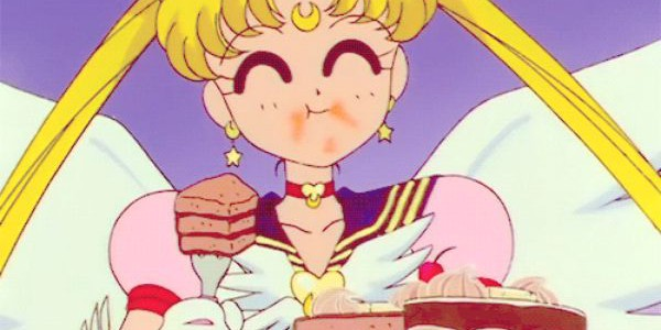 sailor moon mangia torta