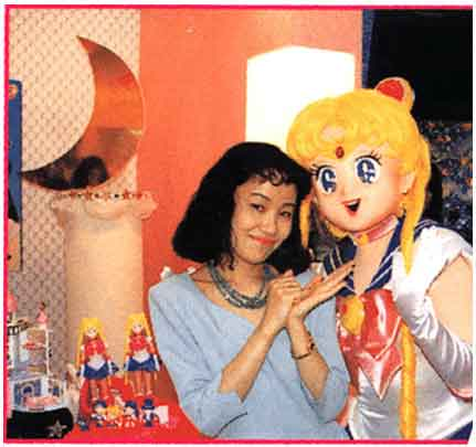 Naoko con Sailor Moon a grandezza naturale