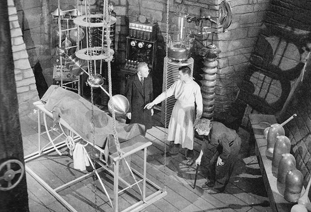 "Fotogramma dal film ""Frankenstein"" di James Whale."